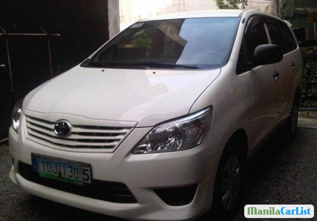 Pictures of Toyota Innova 2012