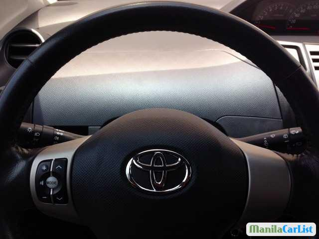 Toyota Yaris Manual 2010 in Antique