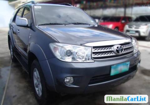 Picture of Toyota Fortuner Automatic 2011