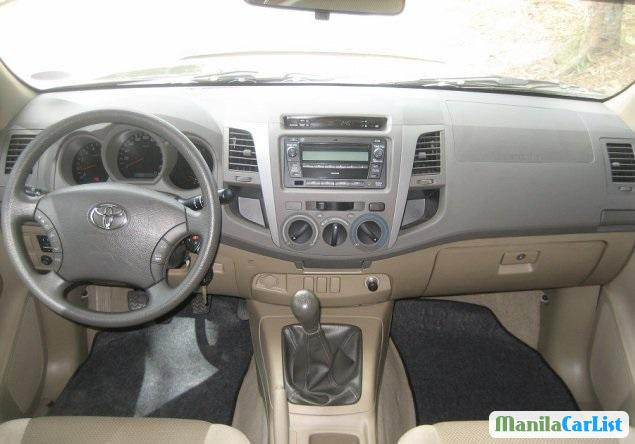 Toyota Hilux 2011 in Metro Manila