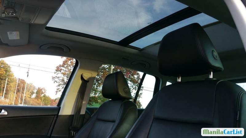 Volkswagen Tiguan Automatic 2010 - image 7