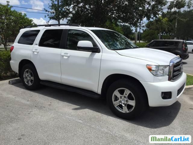 Picture of Toyota Sequoia Automatic 2011