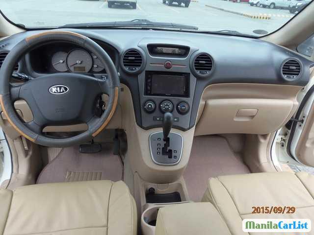 Kia Carens Automatic 2007 - image 2