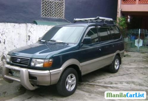 Pictures of Toyota Revo 1998
