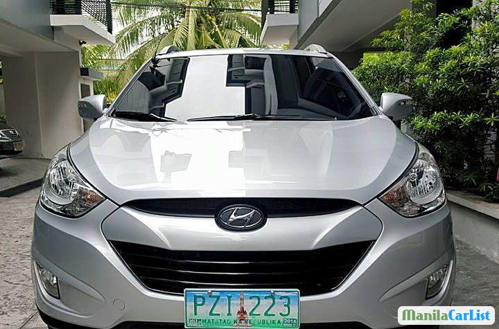 Pictures of Hyundai Tucson Automatic 2015