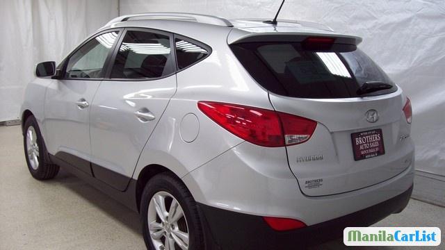 Hyundai Tucson Automatic 2011 - image 2
