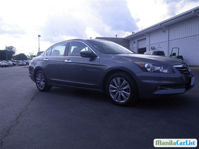 Pictures of Honda Accord Automatic 2012