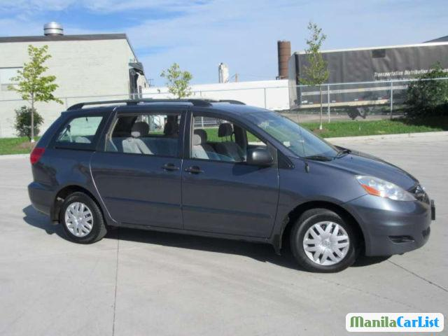 Picture of Toyota Sienna Automatic 2008