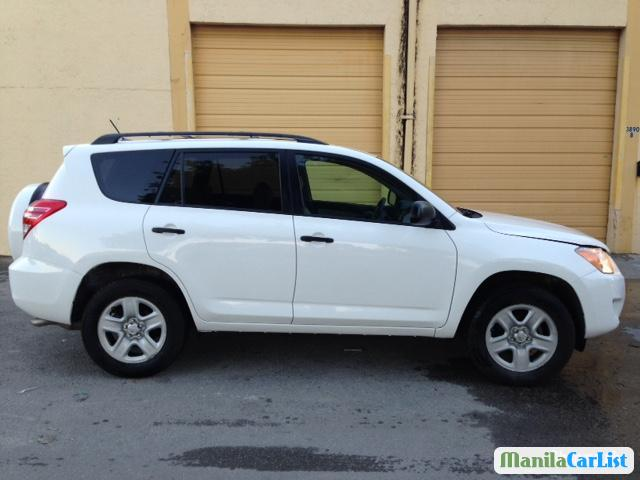 Pictures of Toyota RAV4 Automatic 2012
