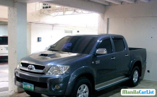 Pictures of Toyota Hilux 2011
