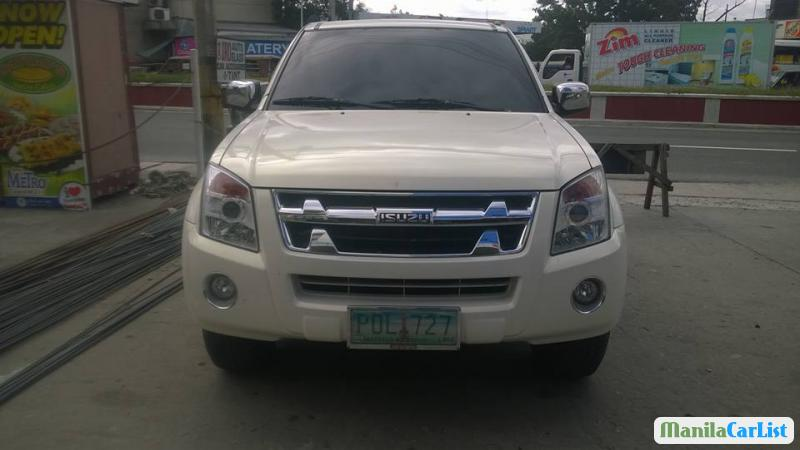 Pictures of Isuzu D-Max Automatic 2011