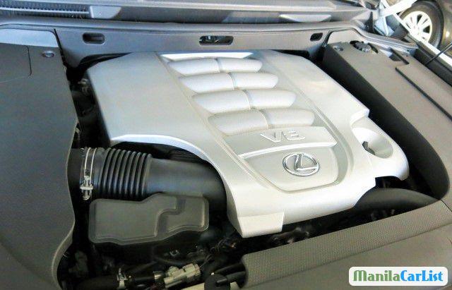 Lexus LS Automatic 2011 - image 11