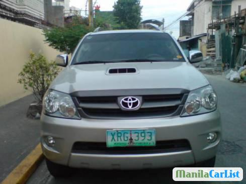 Picture of Toyota Fortuner 2005