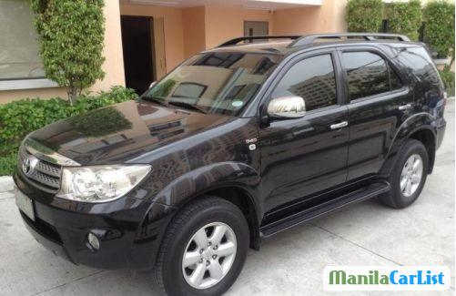 Pictures of Toyota Fortuner Automatic 2010