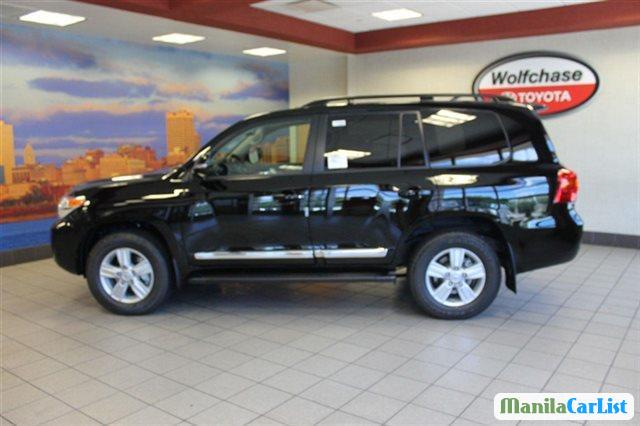 Picture of Toyota Land Cruiser Automatic 2015