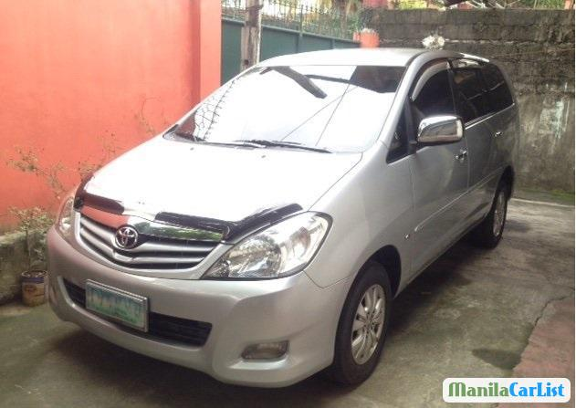 Pictures of Toyota Innova Manual 2010