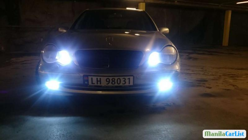 Pictures of Mercedes Benz C-Class Manual 2001