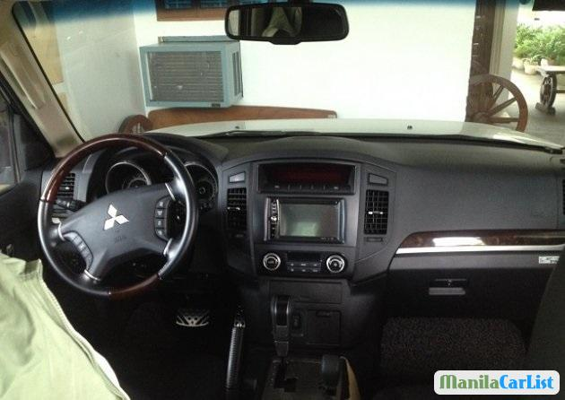 Mitsubishi Pajero Automatic 2013 - image 2