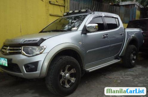 Picture of Mitsubishi Strada