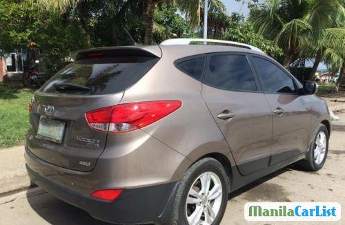 Hyundai Tucson Automatic 2010 - image 3