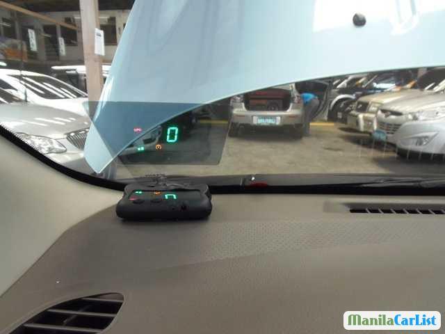 Nissan Automatic 2011 - image 2
