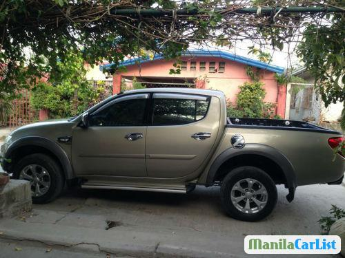 Picture of Mitsubishi Strada Manual 2010